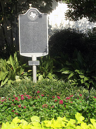 Historical Marker at front of house.